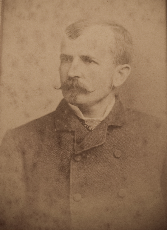http://bellegrove.net/Images/artifacts/mcardle/web/family/images/PICT2428.jpg